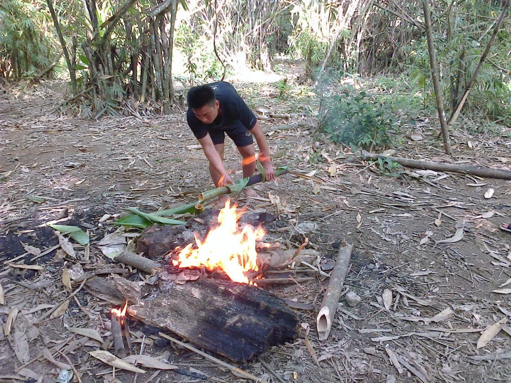 eau bouillie dans le bambou Thailande